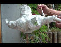 betonfiguren selber modellieren nanas basteln so geht s aus pappmaschee