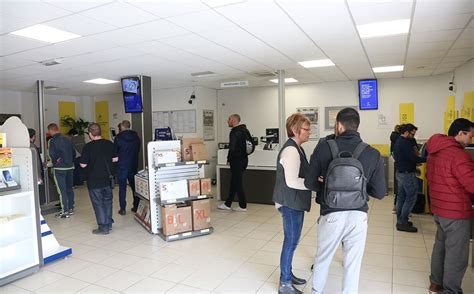 maritima info vie des communes martigues martigues un bureau de poste nouveau format