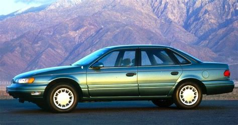usa  ford taurus leads passenger cars   time