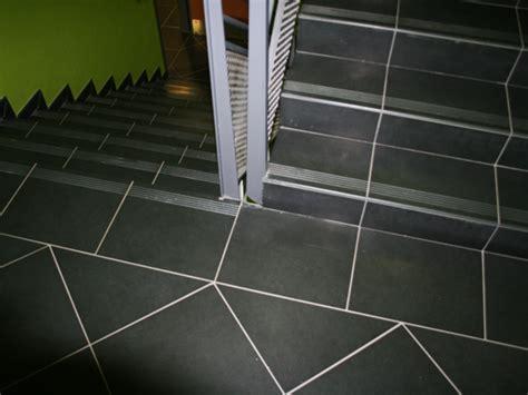 carrelages pour escaliers d int 233 rieur b 226 timent ou d entreprise