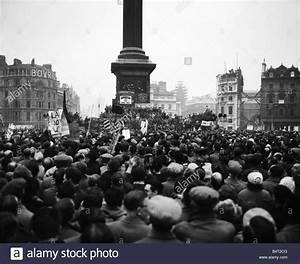 Download this stock image: Suez Crisis 1956 Anti war rally ...