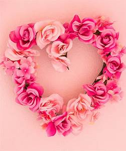 Valentine's Day Decor: DIY Floral Hearts Design Improvised