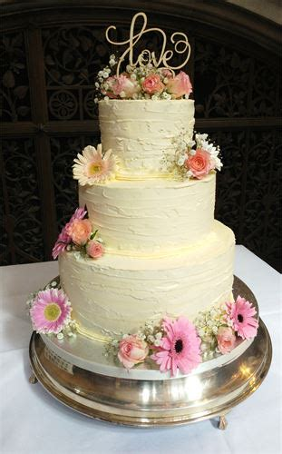 qualitybespoke  affordable butter cream cakes