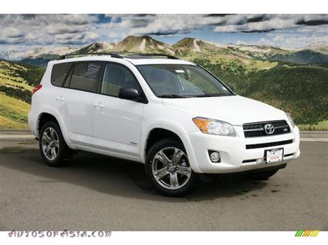 2011 Toyota Rav4 Sport by 2011 Toyota Rav4 V6 Sport 4wd In White 050217