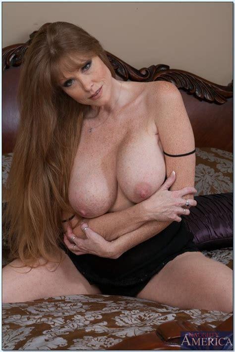 Hot Mom In A Steamy Dog Style Sex Photos Darla Crane