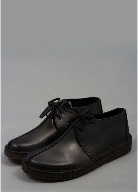 clarks originals desert trek black smooth leather shoe buy clarks originals desert trek black
