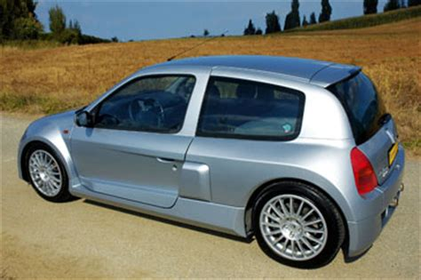 housse clio 2 phase 2 renault clio 2 v6 phase 1 2000 2002 guide occasion