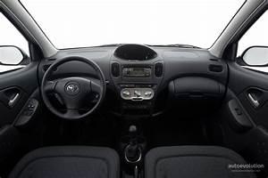 Toyota Yaris Verso Specs  U0026 Photos