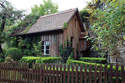 Old Wooden Hut, Garden Shed