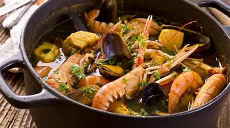 cuisine marseillaise spécialité de marseille la bouillabaisse de morue