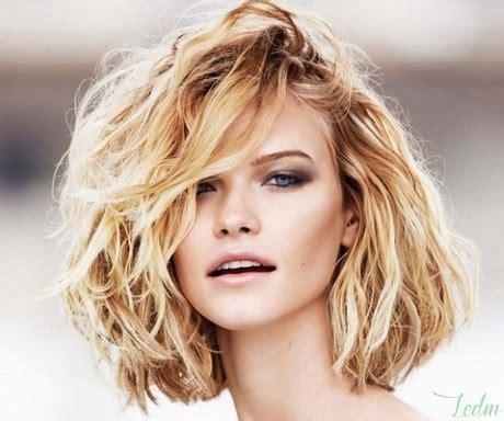 permanente cheveux grosses boucles