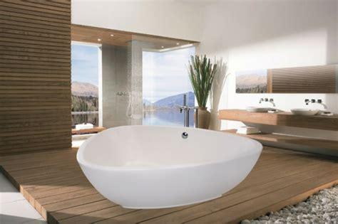 Freistehende Badewanne Die Moderne Badeinrichtungbadezimmer Mit Natursteinwand 2 by Freistehende Badewanne F 252 R Eine Luxuri 246 Se