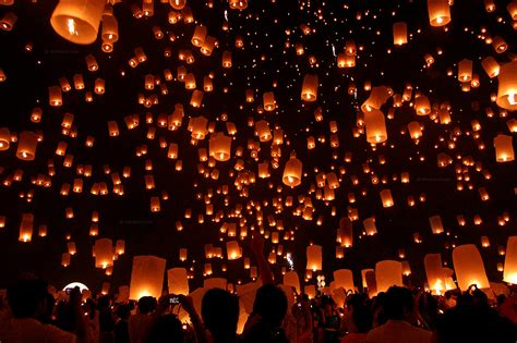loy krathong begins and lanterns fly in mae jo thailand nikdaum news