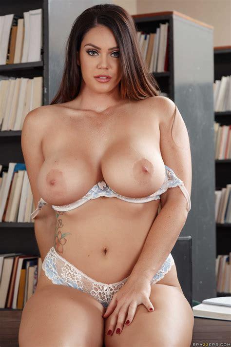 Milf Taylor Hart Sasha Lux