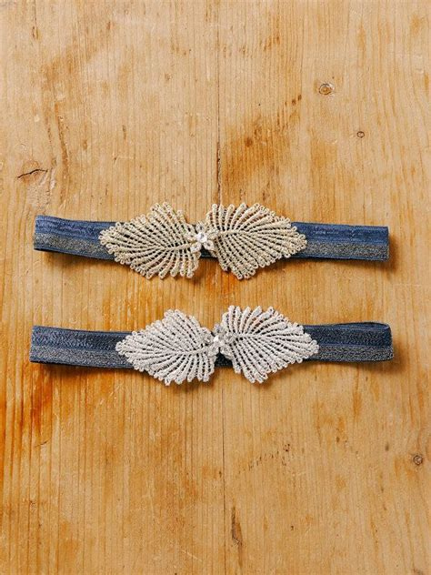 kristall hochzeit strumpfband marineblau von louloudimeli