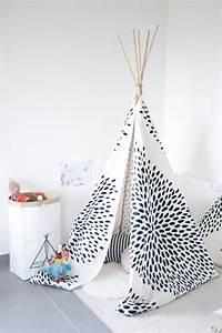 Tipi Petite Fille : un tipi diy pour la chambre des enfants shake my blog ~ Teatrodelosmanantiales.com Idées de Décoration