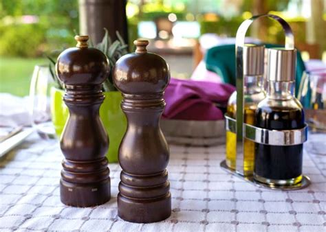 peugeot paris uselect salt  pepper mill review foodal