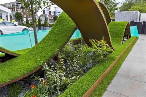 award winning gardens contemporary courtyard garden in a rural setting paving riven grey sand stone design