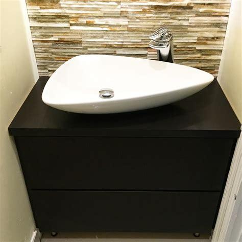 model wastafel minimalis modern  kamar mandi