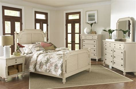 Antique White Bedroom Sets by Woodhaven Antique White Poster Bedroom Set From Largo