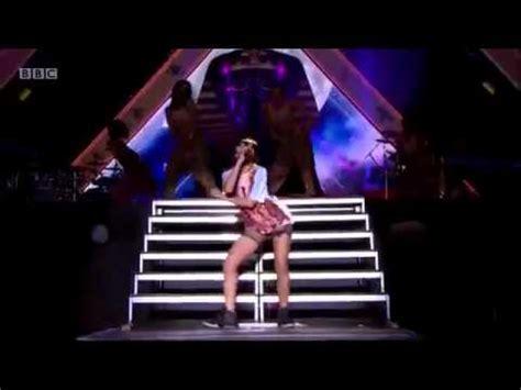 Rihanna  Cockiness @ Bbcs Radio1 Hackney Weekend 2012