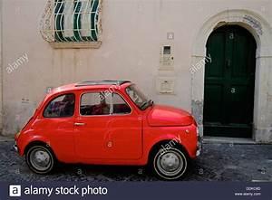 Fiat 500 Ancienne Italie : fiat 500 italy stockfotos fiat 500 italy bilder alamy ~ Medecine-chirurgie-esthetiques.com Avis de Voitures