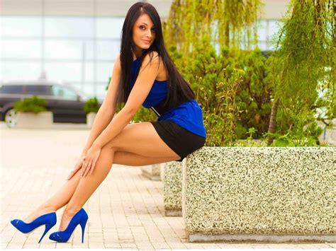 Women Brunette High Heels HD Wallpapers Desktop And