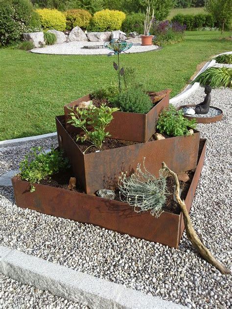 Kräuterpyramide Aus Rostigem Eisen  Garten Garten