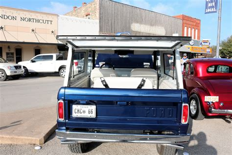 Bringing motor enthusiasts together worldwide for cars, coffee, community, and charity. PHOTOS: Coffee & Cars at the Courthouse - February 2021 - The Flash Today    Erath County