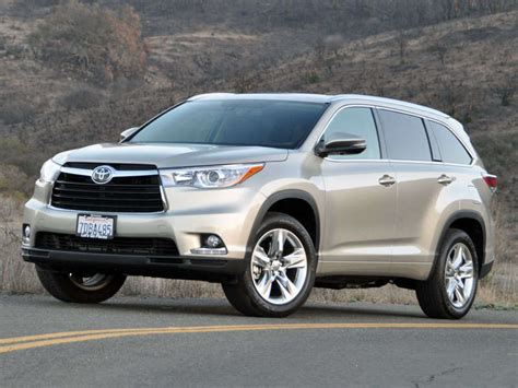 crossover toyota 2014 toyota highlander crossover suv road test and review