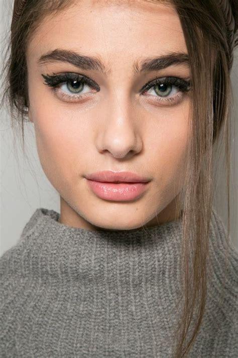 Maquillage Pour Comment Choisir Le Maquillage Pour Agrandir Les Yeux Archzine Fr