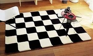 Tapis Salon Blanc : tapis de salon noir et blanc id es de d coration ~ Teatrodelosmanantiales.com Idées de Décoration