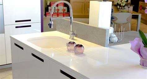 plan de travail cuisine quartz blanc plan de travail quartz marbre et decoration