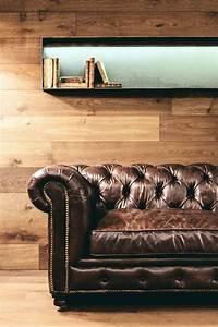 Canapé Chesterfield Cuir : canap chesterfield et d co bois dans un appartement ~ Teatrodelosmanantiales.com Idées de Décoration