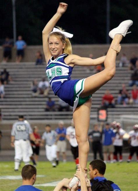 Cheerleaders With No Panties Photo