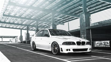 Bmw 5 Series Sedan Wallpaper by Wallpaper White Sports Car Bmw M5 Tuning Bmw 5