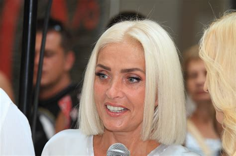 How Rich is Laima Vaikule? Net Worth, Height, Weight, Age, Bio