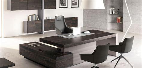 scrivanie moderne scrivania moderna jera di las mobili per studi professionali