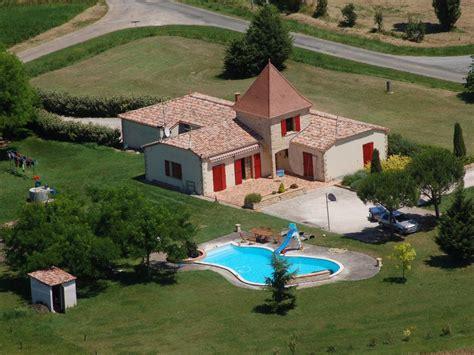 maison vue du ciel maison agr 233 able avec piscine en pleine cagne golf 6km vall 233 e du lot abritel