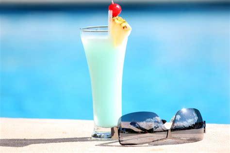 swimming pool cocktail rezept kochrezepteat