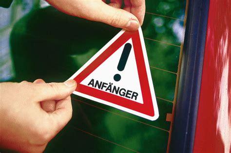 experten fordern aufkleber fuer fahranfaenger autobildde