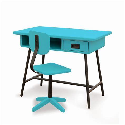 chaise de bureau bleu ciel