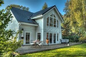 Häuser Im Landhausstil : landhausstil haus fassade ~ Yasmunasinghe.com Haus und Dekorationen