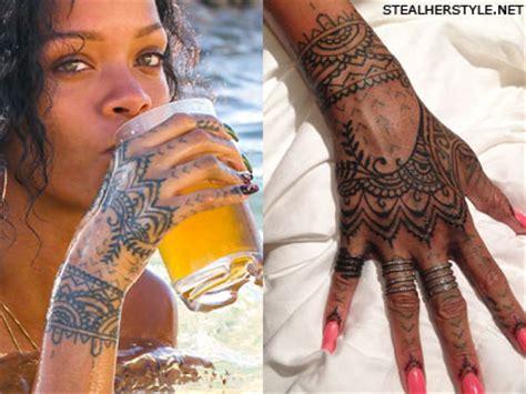 rihanna henna design   hand finger tattoo steal
