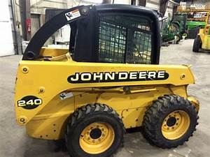 2000 John Deere 240 Skid Steer Loaders