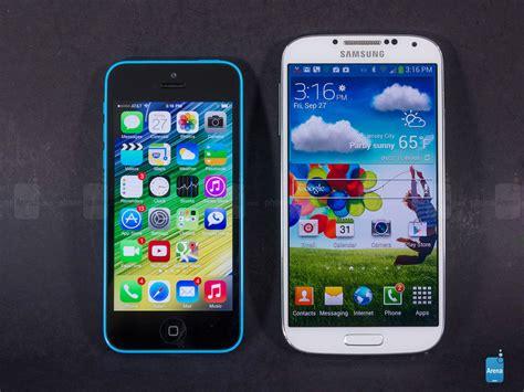 galaxy vs iphone apple iphone 5c vs samsung galaxy s4