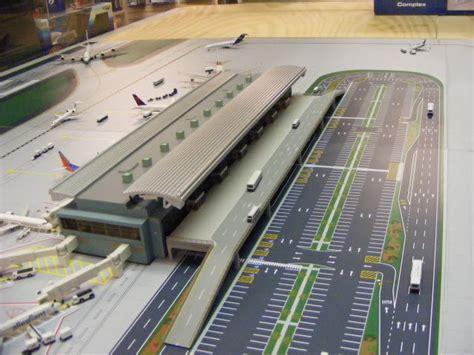 400 Airport (pics)
