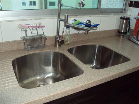 cubierta  cocina  placa de corian tipo granito