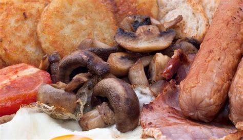 offre d emploi chef de cuisine un petit déjeuner anglais de 3 2 kilos soit 8000 calories