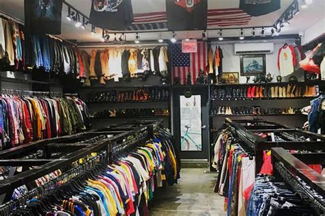 top consignment shops nyc   offer  designer clothes